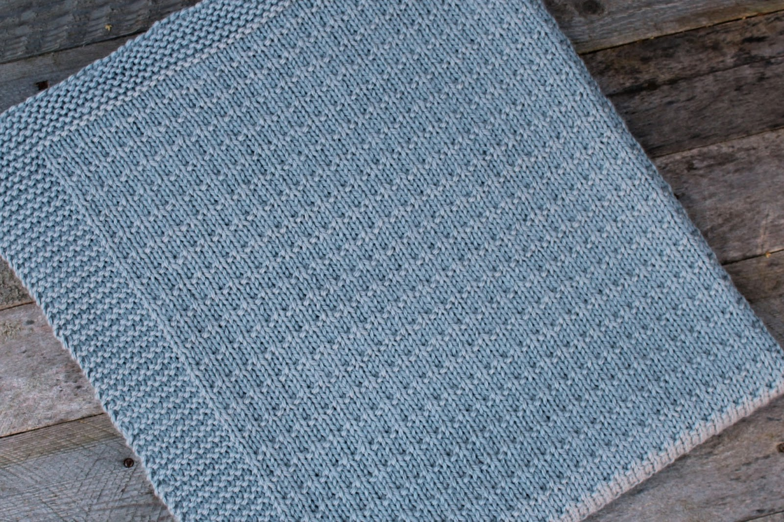 Avaya knit baby blanket worsted pattern free knitting pattern repeat rows 1 4 of the main pattern until all of your blanket including the border measures 285 inches approx finishing on a row 4 bankloansurffo Gallery